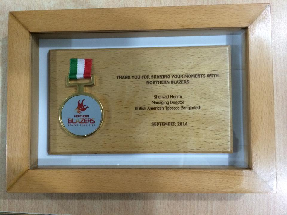 Framing of wooden Crest with Laser engraving and medal | Amecon